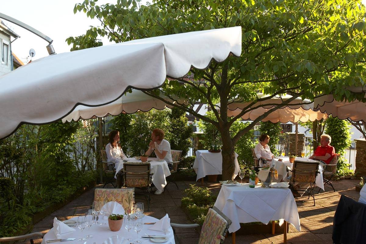 schuetzenhof-mohr-restaurant-garten